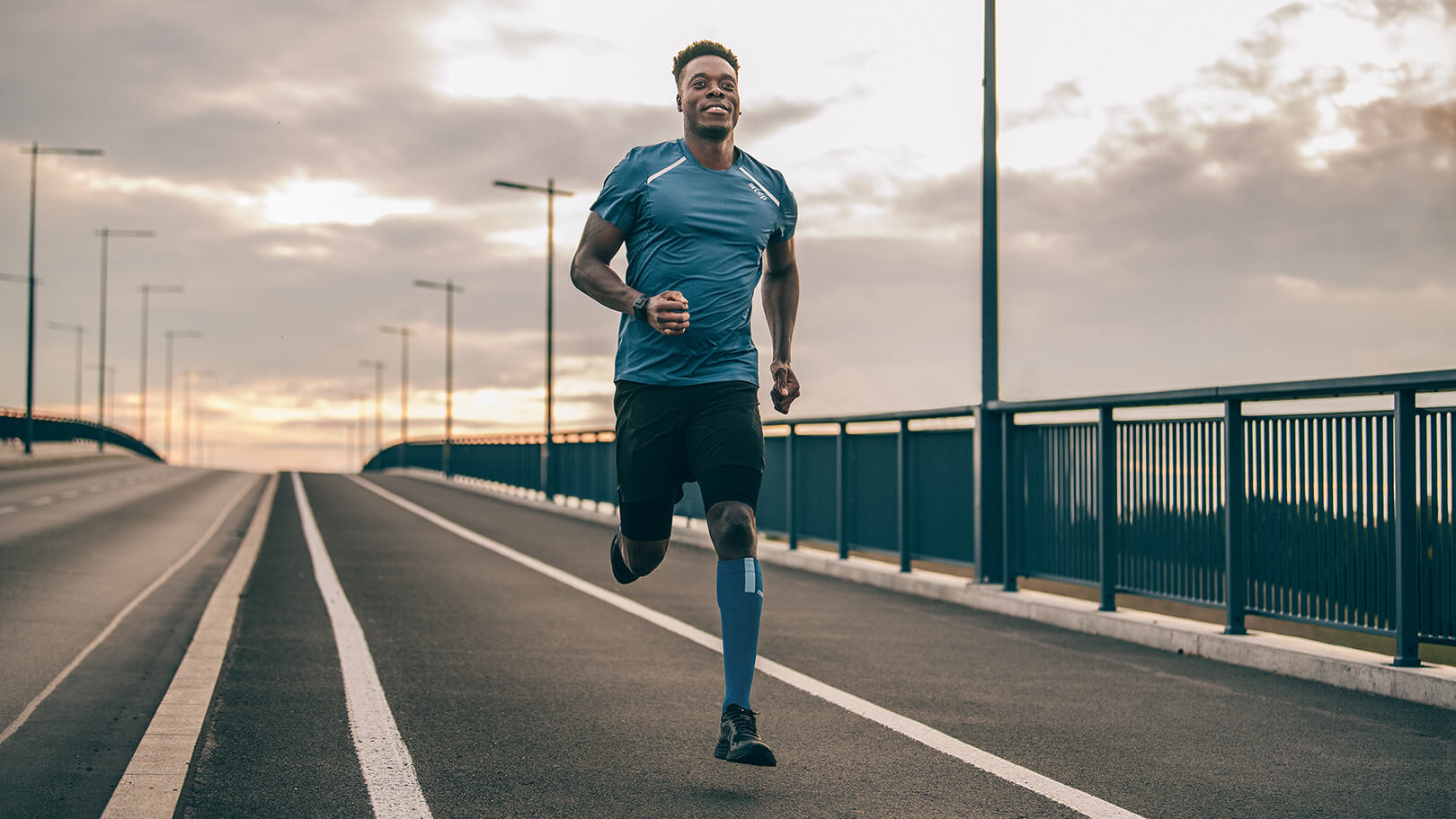 COMPRESSION FOR LIGHTER LEGS | Run Socks 3.0